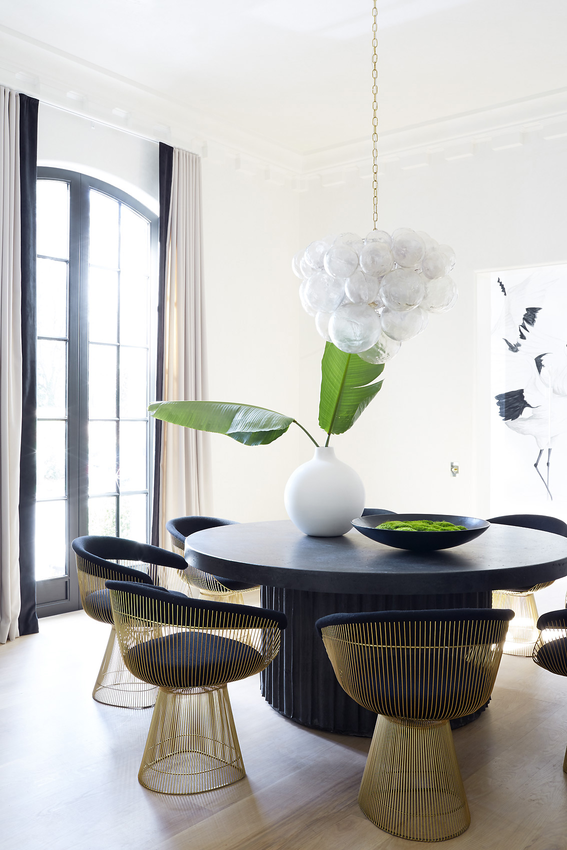 Melanie Turner Interiors dining room with Knoll and concrete, Mali Azima Photographer